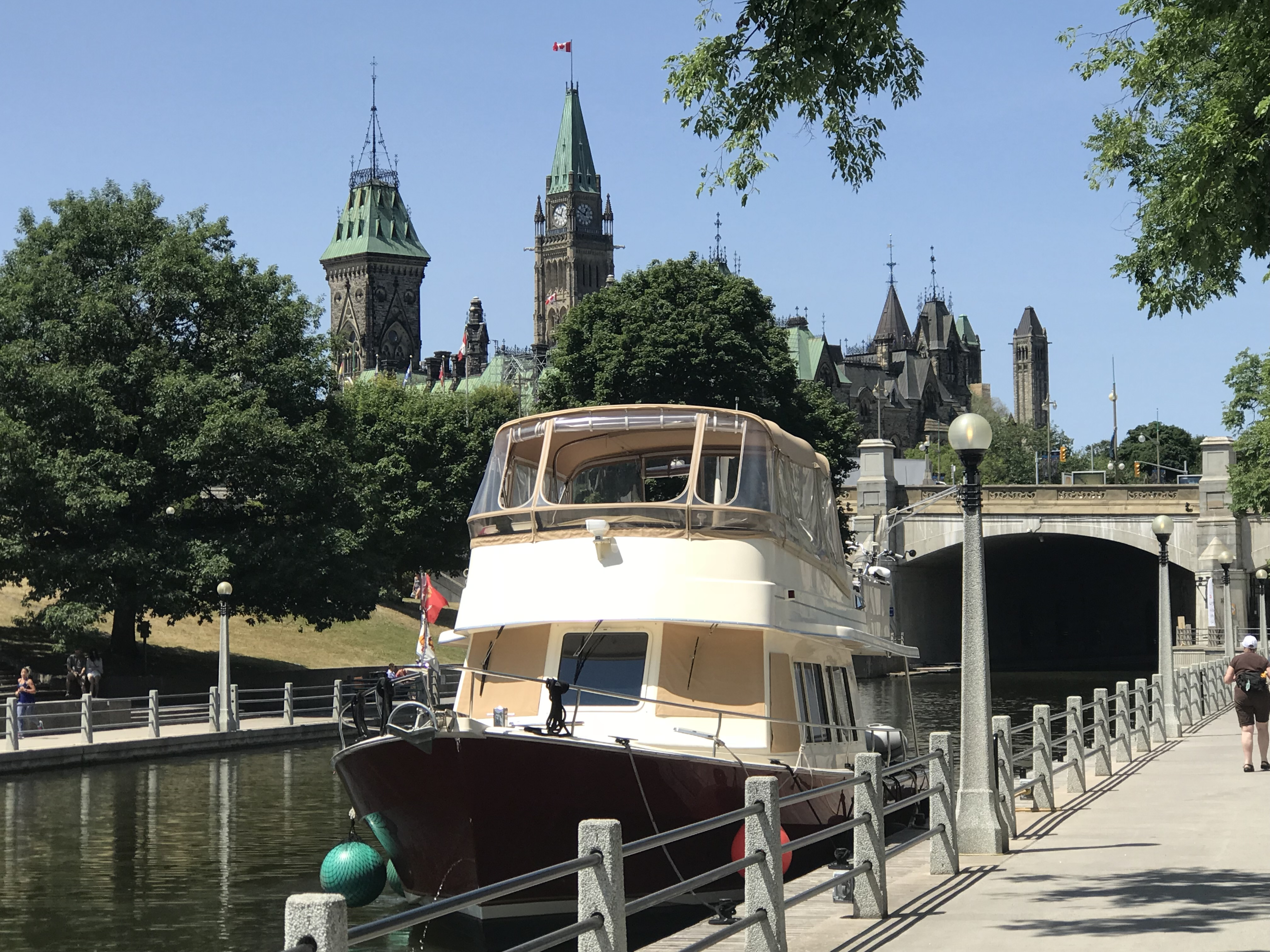 how to get to montebello from ottawa